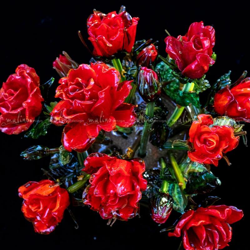 Букет красных стеклянных роз