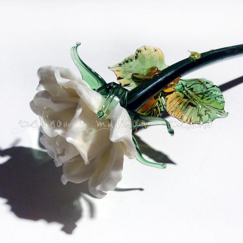 Стеклянная роза Белая