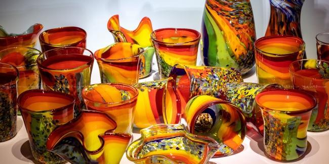 Яркая посуда из нашей коллекции Алоха не даст вам приуныть.