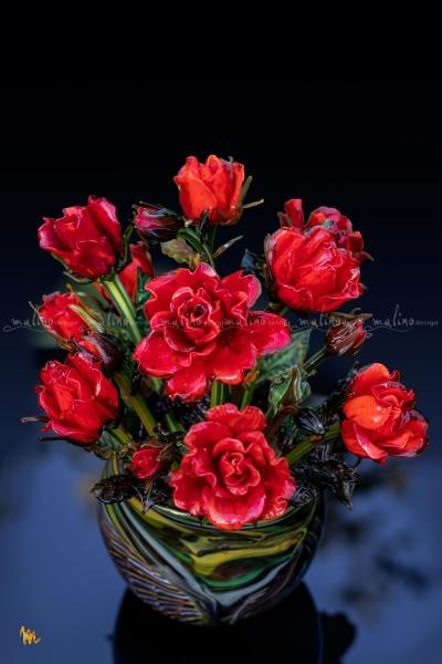 Розы из стекла. Мы  создаем как отдельные цветы разного размера и цвета, так и собираем из в красивые букеты.