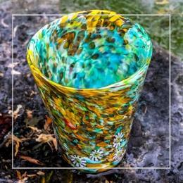 Стакан из цветного стекла